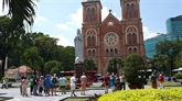 COVID-19 : le marché touristique espère se redresser en été