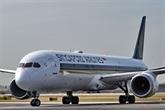 Singapore Airlines suspend les embauches en raison de l'impact du COVID-19