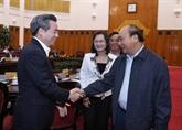 Le Premier ministre Nguyên Xuân Phuc travaille avec les autorités de Bac Liêu