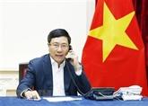 Pham Binh Minh s'entretient par téléphone avec Kang Kyung-wha
