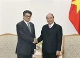 Le PM Nguyên Xuân Phuc reçoit les ambassadeurs de Malaisie et d'Arménie