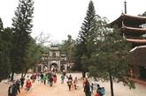 Se rendre à la pagode pour le Nouvel An, une belle tradition du Vietnam