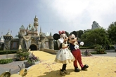 Disney ferme ses parcs aux États-Unis et en France