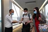 Contrôler la lutte contre l'épidémie à l'aéroport international Nôi Bài
