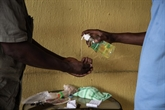 Premier décès en Afrique subsaharienne, l'OMS sonne l'alerte
