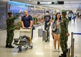 La Thaïlande ordonne la fermeture des centres commerciaux à Bangkok