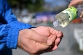 Face au coronavirus, les Turcs s'en remettent à l'eau de Cologne