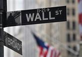 Wall Street dans le rouge, mais en nette hausse sur la semaine