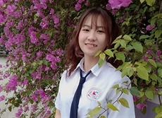 Khanh Linh, la future ingénieure informatique la plus jeune du Vietnam