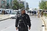 Tunis : un policier tué dans un double attentat-suicide devant l'ambassade américaine