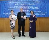 Ordre de l'Amitié remis à l'Association d'amitié Finlande - Vietnam