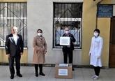 COVID-19 : des Vietnamiens offrent des cadeaux à la Moldavie et au Cambodge