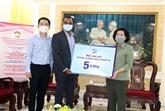 COVID-19 : une première aide en faveur de 78.000 chômeurs à Hô Chi Minh-Ville