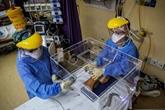 Des médecins mettent au point une boîte pour isoler les malades du COVID-19
