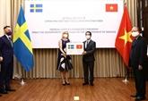 Le Vietnam présente des fournitures médicales à la Suède