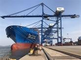 Un porte-conteneur de 120.000 tonnes au port maritime international de Hai Phong