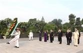 Des dirigeants de Hô Chi Minh-Ville rendent hommage aux morts pour la Patrie