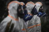Le coronavirus asphyxie l'économie, espoir d'un traitement efficace