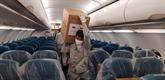 Vietnam Airlines achemine au Laos et au Cambodge des aides médicales du Vietnam