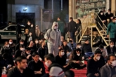 Les Iraniens prient pour trois nuits dans les mosquées rouvertes
