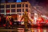 Onze pompiers blessés dans un incendie à Los Angeles