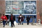 Les salariés américains de l'automobile appréhendent le retour au travail