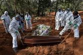 Brésil : enterrements à la chaîne dans le plus grand cimetière d'Amérique latine