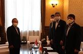Un député japonais apprécie les résultats du Vietnam dans sa lutte contre le COVID-19