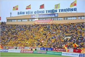 Football  le reprise du championnat vietnamien étonne et détonne
