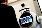 À Anvers, un robot prend la température des patients et vérifie le port du masque