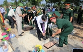 Quang Tri : inhumation des restes de 16 volontaires vietnamiens tombés au Laos