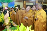 Le 2564e anniversaire de la naissance de Bouddha célébré à Hanoi