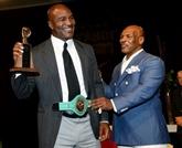 Boxe : Holyfield annonce un retour de charité à 57 ans