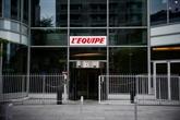 Le quotidien L'Équipe, qui prévoit trois ans de pertes, veut baisser les salaires de 10%