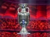 Villes hôtes inchangées pour l'Euro de foot, calendrier international fixé