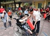 Les ONG participent à des activités de réadaptation fonctionnelle pour les handicapés