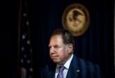 Un procureur enquêtant sur des proches de Trump dément vouloir démissionner