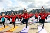 La Journée internationale du yoga attire près de 3.000 personnes à Quang Ninh