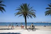À Roses en Espagne, les étrangers goûtent la