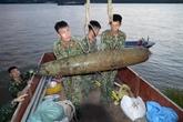 Une bombe datant de la guerre remontée dans le fleuve Rouge à Hanoï