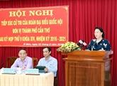La présidente de l'AN, Nguyên Thi Kim Ngân, à l'écoute des électeurs de Cân Tho