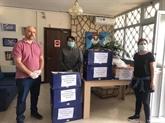 Offrir des masques médicaux à la communauté vietnamienne en Chypre