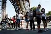 Réouverture de la Tour Eiffel après plus de trois mois de sommeil forcé