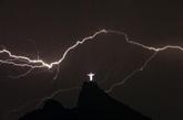 Brésil : record mondial pour un éclair de plus de 700 km de long