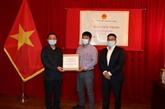 Remise de 50.000 masques faciaux à la communauté vietnamienne au Canada