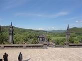 Le mausolée du roi Khai Dinh, rencontre entre les styles oriental et occidental