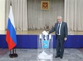 Réforme constitutionnelle : des citoyens russes au Vietnam votent au référendum