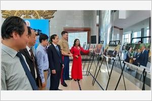 Exposition de photos sur le Vietnam et les États-Unis à Quang Tri