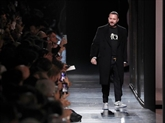 Dior célèbre l'artiste Amoako Boafo et