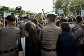 Des milliers de manifestants dans la rue contre le gouvernement